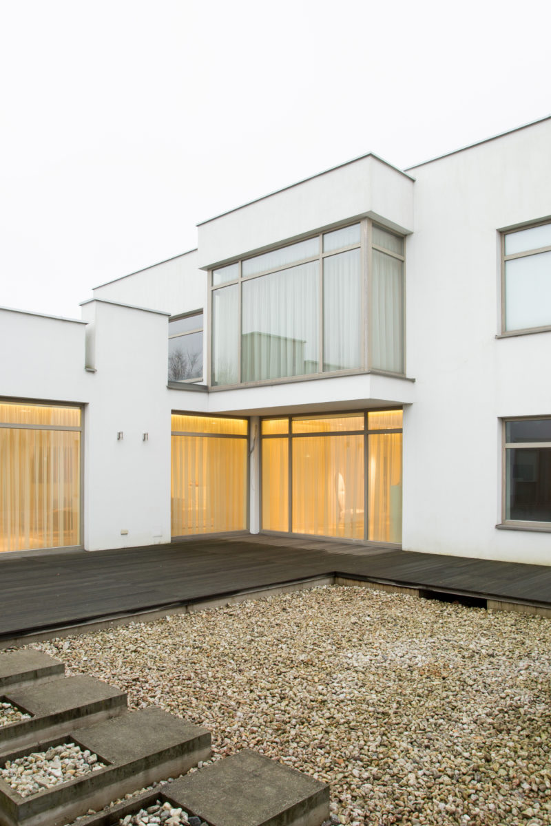 aluminium bay windows in a contemporary house